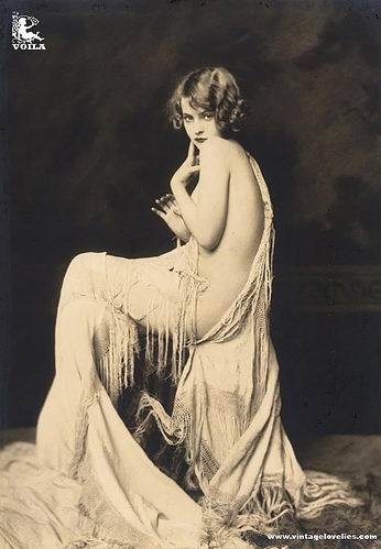 flapper girl pin-up
