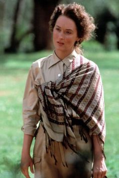 OUT OF AFRICA, Meryl Streep, 1985. (c) MCA/Universal: Courtesy Everett Collection.